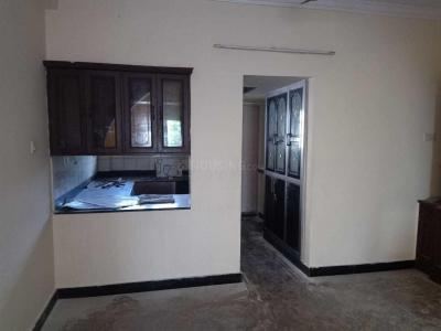 Gallery Cover Image of 1025 Sq.ft 2 BHK Apartment for rent in VGP Baby Nagar, Velachery for 15000