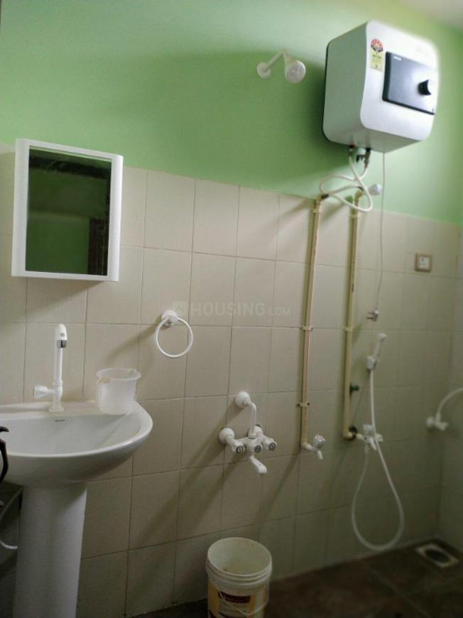 Common Bathroom Image of 2400 Sq.ft 3 BHK Independent House for rent in Hosur for 12000