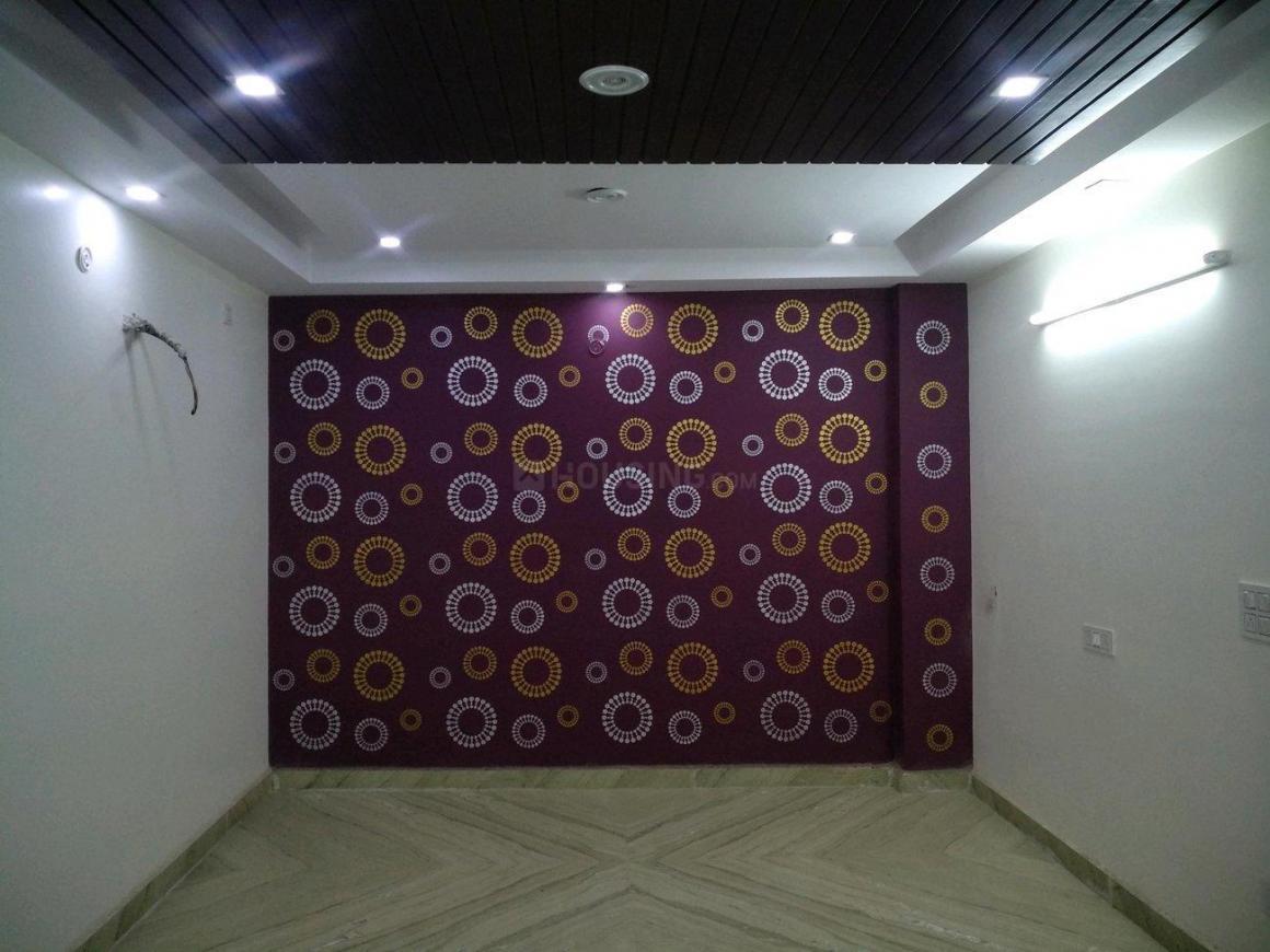 Living Room Image of 1000 Sq.ft 3 BHK Apartment for buy in Uttam Nagar for 5000000