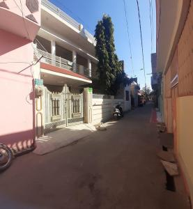 Gallery Cover Image of 1800 Sq.ft 6 BHK Independent House for buy in Deen Dayal Nagar for 7800000