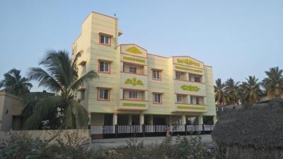 Gallery Cover Image of 800 Sq.ft 2 BHK Apartment for rent in Peerakankaranai for 12000