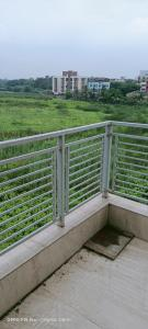 Gallery Cover Image of 1260 Sq.ft 3 BHK Apartment for buy in Tangra for 6800000