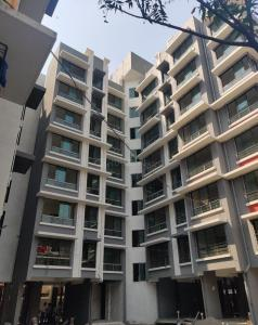 Gallery Cover Image of 450 Sq.ft 1 BHK Apartment for rent in Ghatkopar West for 22000