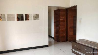 Gallery Cover Image of 1282 Sq.ft 3 BHK Apartment for rent in Palms Apartment 2, Goregaon East for 28000