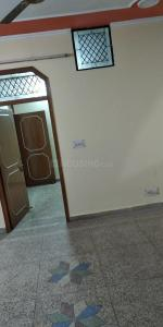 Gallery Cover Image of 2250 Sq.ft 4 BHK Apartment for rent in Amrapali Royal, Vaibhav Khand for 26000