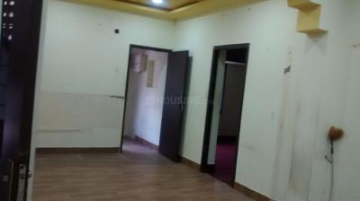 Gallery Cover Image of 1200 Sq.ft 6 BHK Independent Floor for rent in Royapettah for 70000