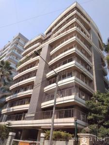 Gallery Cover Image of 2600 Sq.ft 3 BHK Apartment for rent in Santacruz West for 220000