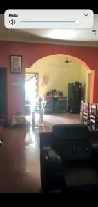 Gallery Cover Image of 2000 Sq.ft 2 BHK Independent House for buy in Paravai for 10000000