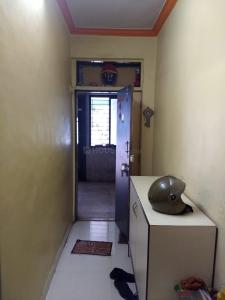 Gallery Cover Image of 750 Sq.ft 2 BHK Apartment for buy in Paras Apartment, Malad West for 7000000