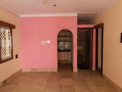 Gallery Cover Image of 800 Sq.ft 2 BHK Apartment for rent in Shanti Nagar for 20000