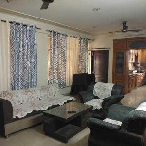 Living Room Image of Sweet Home Paying Guest in Niti Khand