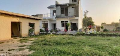 Gallery Cover Image of 1550 Sq.ft 3 BHK Independent House for buy in Noida Extension for 3185000
