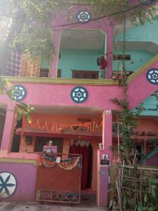 Gallery Cover Image of 1000 Sq.ft 3 BHK Independent Floor for buy in Jeedimetla for 10000000