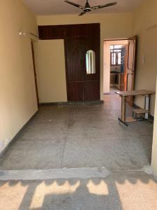Gallery Cover Image of 650 Sq.ft 1 BHK Apartment for rent in Parvatiya Vihar, Vasundhara Enclave for 14000