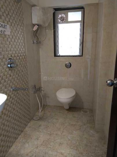 Common Bathroom Image of 950 Sq.ft 2 BHK Apartment for rent in Borivali West for 30000