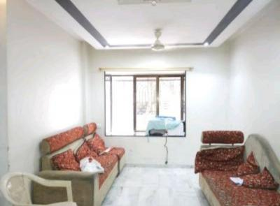 Gallery Cover Image of 700 Sq.ft 1 BHK Apartment for rent in Kandivali West for 27000