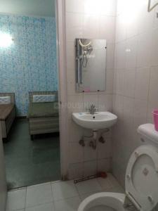 स्काइ रेसिडेंसी पीजी इन सेक्टर 22 के बाथरूम की तस्वीर