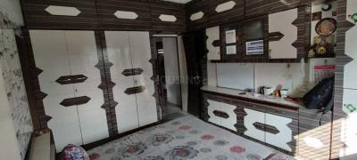 Gallery Cover Image of 700 Sq.ft 2 BHK Apartment for buy in Borivali West for 18000000