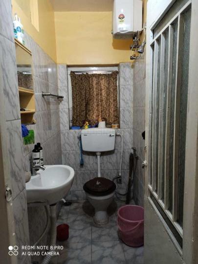 गरियाहाट में करुणा में कॉमन बाथरूम की तस्वीर