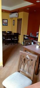 Gallery Cover Image of 1200 Sq.ft 4 BHK Independent Floor for rent in Garfa for 60000
