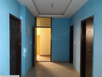 Gallery Cover Image of 600 Sq.ft 2 BHK Apartment for buy in Sector 105 for 2400000