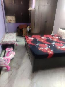 Gallery Cover Image of 1600 Sq.ft 3 BHK Independent Floor for rent in Sector 49 for 23000