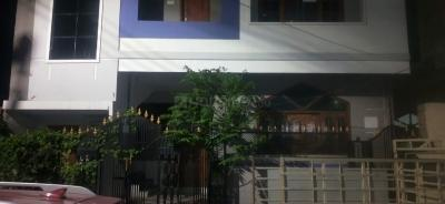 Gallery Cover Image of 1200 Sq.ft 3 BHK Independent House for buy in Bapu nagar for 13000000