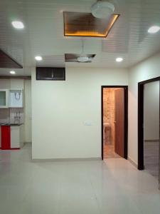 Gallery Cover Image of 950 Sq.ft 2 BHK Apartment for buy in Gwal Pahari for 3700000