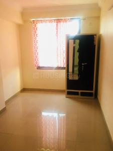 Gallery Cover Image of 1450 Sq.ft 3 BHK Apartment for rent in Navratna Complex for 13000