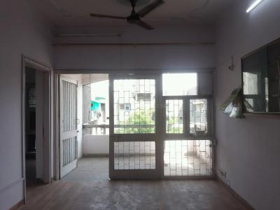Gallery Cover Image of 850 Sq.ft 2 BHK Apartment for rent in Vasundhara Enclave for 17500