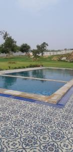 Gallery Cover Image of 4350 Sq.ft 2 BHK Independent House for buy in Anangpur Village for 65250000