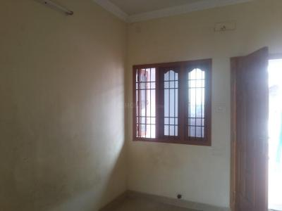 Gallery Cover Image of 600 Sq.ft 1 BHK Apartment for rent in Nanganallur for 8000