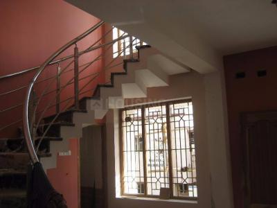 Gallery Cover Image of 2200 Sq.ft 3 BHK Independent Floor for rent in Medavakkam for 22000