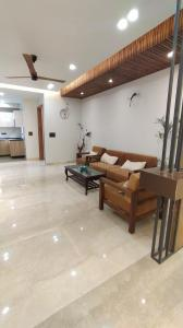 Gallery Cover Image of 1800 Sq.ft 3 BHK Independent Floor for buy in Sector 57 for 13400000