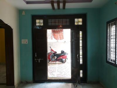 Gallery Cover Image of 2000 Sq.ft 2 BHK Independent House for rent in Kismatpur for 9000