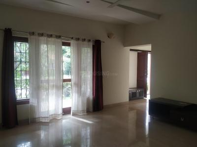 Gallery Cover Image of 4000 Sq.ft 4 BHK Villa for rent in Adarsh Palm Retreat Lake Front, Kaikondrahalli for 150000