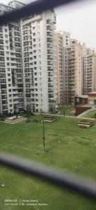 Gallery Cover Image of 2600 Sq.ft 4 BHK Apartment for buy in Omaxe The Forest Spa, Sector 43 for 19679000