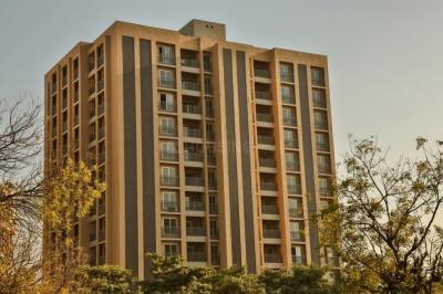 Gallery Cover Image of 2475 Sq.ft 4 BHK Apartment for buy in Makarba for 13500000