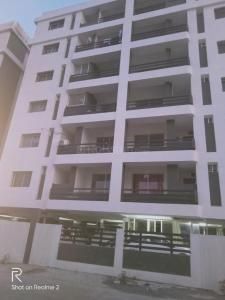 Gallery Cover Image of 650 Sq.ft 1 BHK Apartment for rent in Vastu Platinum Paradise Tower, County Walk Township for 9000