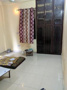 Gallery Cover Image of 300 Sq.ft 1 RK Apartment for rent in Sarita Vihar for 8000