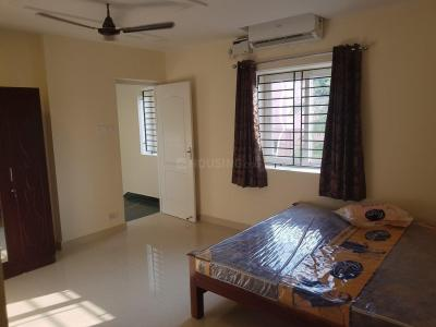 Gallery Cover Image of 1880 Sq.ft 3 BHK Villa for rent in Manapakkam for 30000