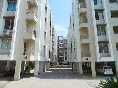 Gallery Cover Image of 1233 Sq.ft 2 BHK Apartment for buy in Godhavi for 2800000