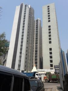 Gallery Cover Image of 1319 Sq.ft 2 BHK Apartment for buy in Rustomjee Paramount Wing C, Santacruz West for 35000000