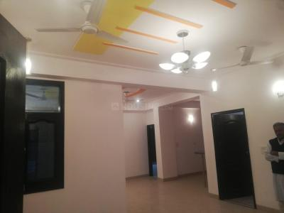 Gallery Cover Image of 2000 Sq.ft 3 BHK Apartment for buy in Govind Vihar for 6300000