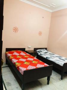 Bedroom Image of Luxury Homs in Sector 18