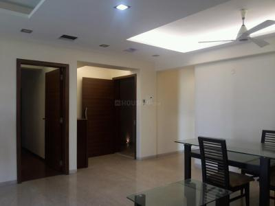 Gallery Cover Image of 1600 Sq.ft 3 BHK Apartment for rent in Khar West for 160000