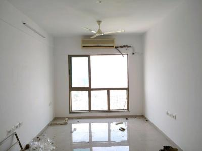 Gallery Cover Image of 1050 Sq.ft 2 BHK Apartment for rent in Sheth Creators Vasant Oasis Petunia Bldg 8, Andheri East for 55000