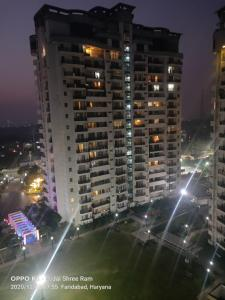 Gallery Cover Image of 4172 Sq.ft 4 BHK Apartment for rent in Omaxe The Forest Spa, Sector 43 for 85000