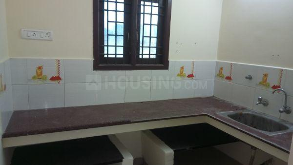Kitchen Image of 850 Sq.ft 2 BHK Independent Floor for rent in Perungalathur for 8000