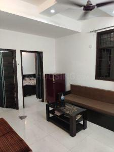 Gallery Cover Image of 500 Sq.ft 1 BHK Independent Floor for rent in Sheikh Sarai for 16000